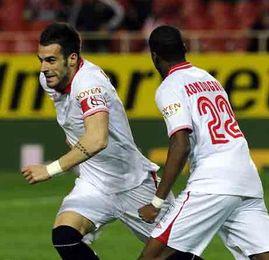 Negredo, durante un instante del Sevilla-Zaragoza de Copa del Rey.