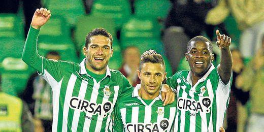Uno de los goleadores del Betis puede fichar por el AEK de Atenas en los próximos días