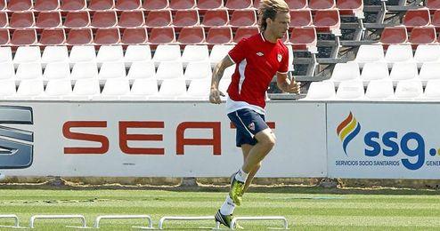 Ivan Rakitic ha entrado finalmente en la convocatoria para medirse al Espanyol.