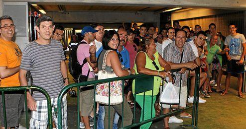 El club ha pedido a los béticos que anticipen su entrada hoy al Villamarín.
