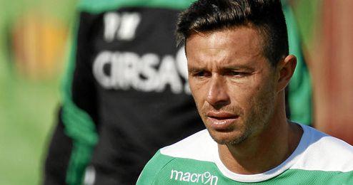 Rubén Castro durante un entrenamiento con el Betis.