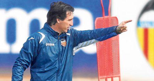 Emery le tiene mucho cariño al Valencia y es de la Real Sociedad desde niño, pero se debe al Sevilla y no piensa en otra cosa que ganar e ir a Europa.
