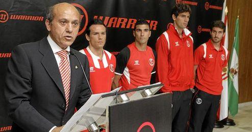 El Sevilla ha presentado, de momento, su segunda equipación de la próxima temporada.