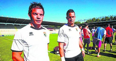 Jesús Muñoz, a la izquierda, el día de su fichaje con el Burgos.