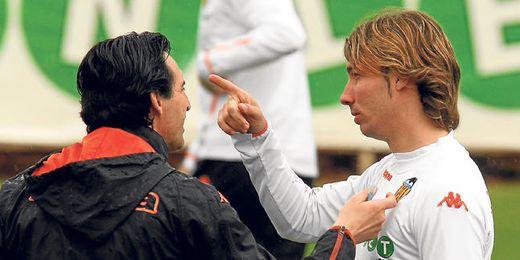 Unai Emery y Alexis coincidieron en el Valencia, por lo que se conocen a la perfección.