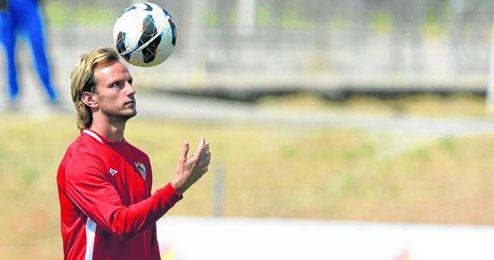 El amor del suizo-croata Ivan Rakitic por Sevilla y el Sevilla podría no ser suficiente para querer seguir vinculado al club nervionense.