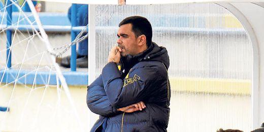 Pablo del Pino, con gesto pensativo, durante un encuentro celebrado en el presente campeonato.