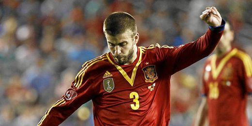 El defensa Gerard Piqué en el amistoso que enfrentó a España e Irlanda.
