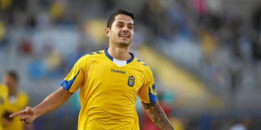 El jugador canario celebra un tanto con la Unión Deportiva Las Palmas.