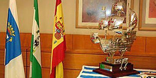 El trofeo aguarda al ganador