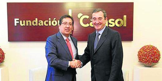 Momento del acuerdo entre Antonio Pulido y Antonio Fragera para la creación de ´Proyecto Joven´.