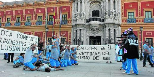 Imagen de uno de los ´fusilamientos´ que llevaron a cabo los trabajadores en el Palacio de San Telmo.