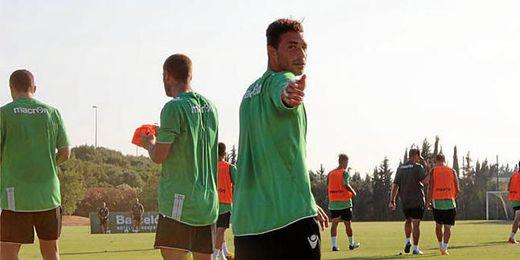 Rubén Castro se ha entrenado con normalidad esta mañana.