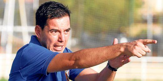 Marco Fernández, entrenador del Cerro, con gesto expresivo durante un encuentro de Liga de la pasada Liga.