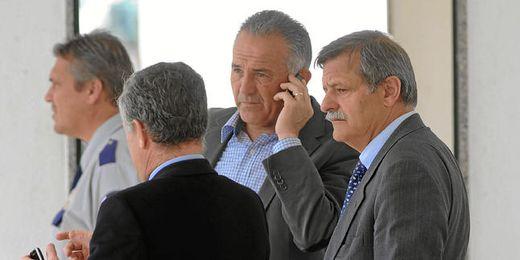 El consejo de administración verdiblanco no posee la preceptiva licencia para emitir en FM.