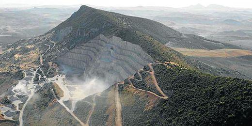 Las minas de cal de la Sierra de Esparteros del municipio sevillano de Morón de la Frontera.