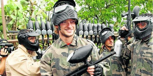 Rakitic, en la jornada de paintball.