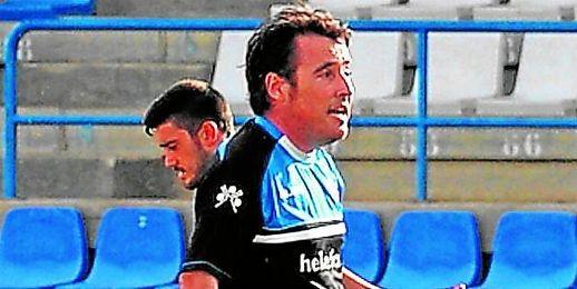 José Manuel Borja, durante uno de los entrenamientos que dirigió antes de que su equipo se enfrentase a El Palo.