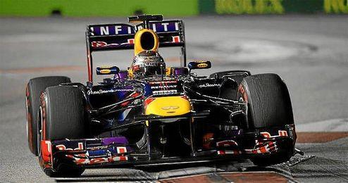 Vettel durante el último GP de F1 en Singapur.