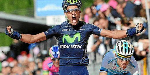Intxausti celebra su victoria en la cuarta etapa del Tour de Pekín.
