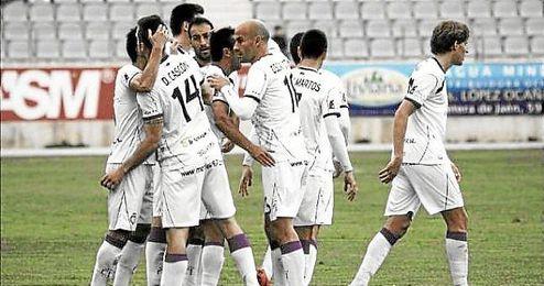 Los jugadores del Real Jaén celebran un gol durante la pasada campaña.