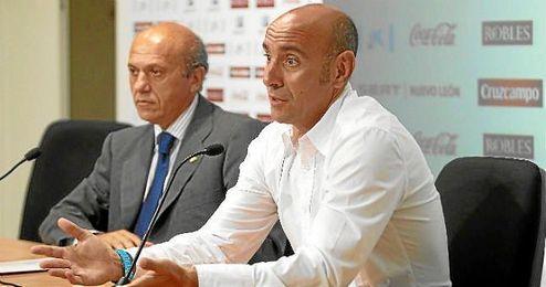 Monchi y Del Nido, en una comparecencia pública.
