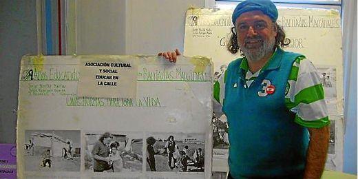 Morillo muestra felicidades por su programa.