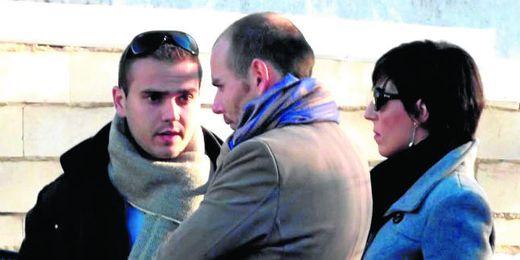 En la imagen, José Luis Iglesias, presidente del Écija, muy cuestionado por la afición y su vestuario.