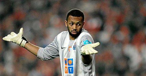 Helton durante un partido con el Oporto.