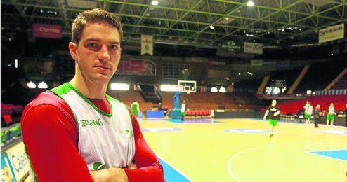 El alero cajista Marcos Mata se muestra satisfecho por su primera temporada en el baloncesto europeo.