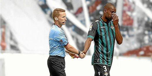Paulao tendrá que vérselas con la afición bética tras su deficiente actuación en Vallecas.