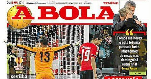El diario portugués ´A Bola´resalta la figura del héroe de Turín, Beto.