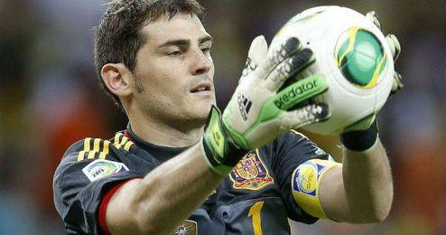 El capitán de la roja, Iker Casillas, dejó claro que se encuentra en buena forma.
