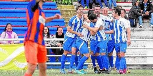 El Nervión celebra uno de los goles conseguidos esta temporada contra el Cerro en el Antonio Puerta.