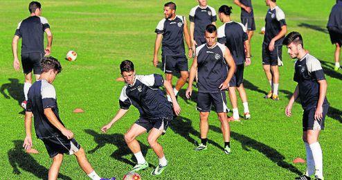 La plantilla del Alcalá en un entrenamiento.