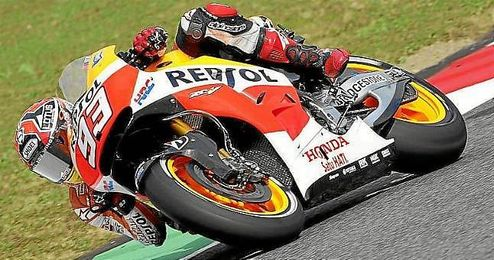 Marc Márquez rodando sobre el circuito de Mugello.