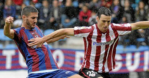Raúl Navas en el partido de Copa ante el Athletic de Bilbao.