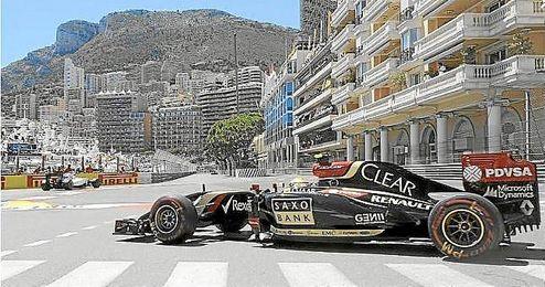 Pastor Maldonado durante la sesión de calificación en el Gran Premio de Mónaco.
