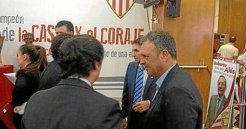 Joaquín Caparrós, durante el homenaje a Alés.