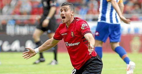 Tomer Hemed, durante un partido con el Mallorca; desde donde aseguran que interesa al Betis.