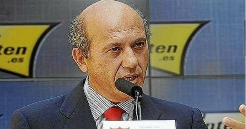Del Nido durante una conferencia de prensa