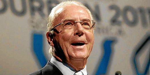 Beckenbauer durante una rueda de prensa.