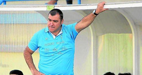Joaquín Hidalgo sigue trabajando en cerrar una plantilla para luchar por lo máximo durante la próxima temporada.