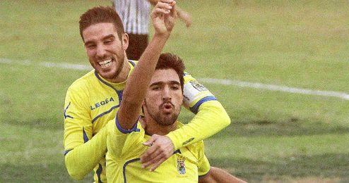 Juan Antonio celebra su gol al Mairena esta temporada.