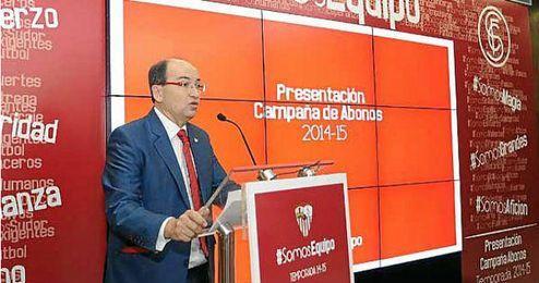 El presidente del Sevilla Pepe Castro, durante el acto de presentación de la campaña de abonados.