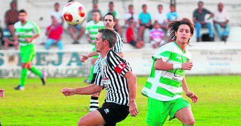 El veterano zaguero Víctor Gago seguirá una temporada más vistiendo la camiseta del Mairena.
