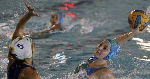 Lorena Miranda, jugadora del Club Waterpolo Dos Hermanas