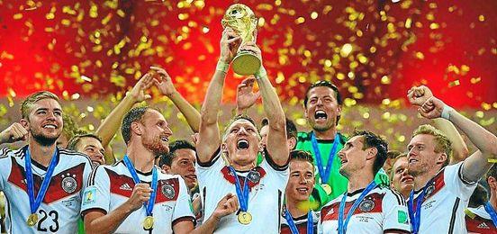 Resultado de imagen de alemania levanta la copa mundial 2014
