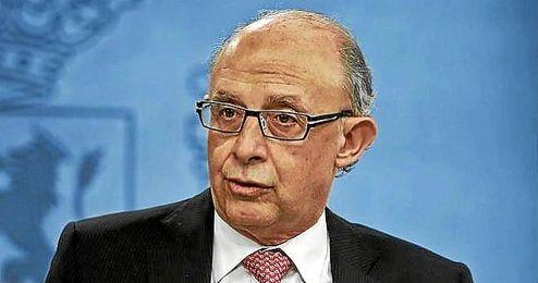 Cristóbal Montoro atribuye a los equipos españoles una deuda que ronda los 500 millones.