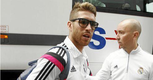 Sergio Ramos llegando a la concentración